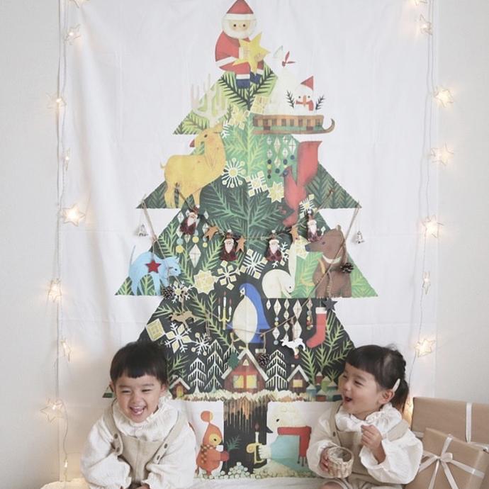 クリスマスツリータペストリーを使ったデコレーション